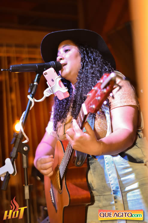 Sabadão da Hot contou com show de Juliana Amorim e OMP 143