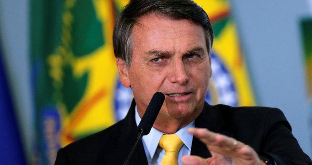 Bolsonaro: com certificação da Anvisa, vacina será gratuita e não obrigatória 18