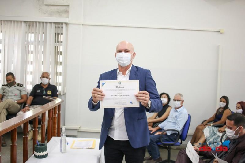 Prefeito reeleito e vereadores de Itabela são diplomados 22