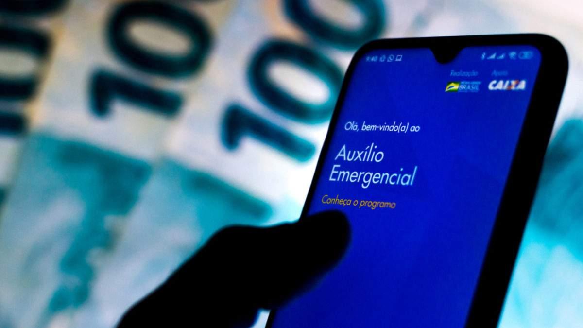 Governo vai cobrar auxílio emergencial indevido de 2,6 milhões de brasileiros por SMS 18