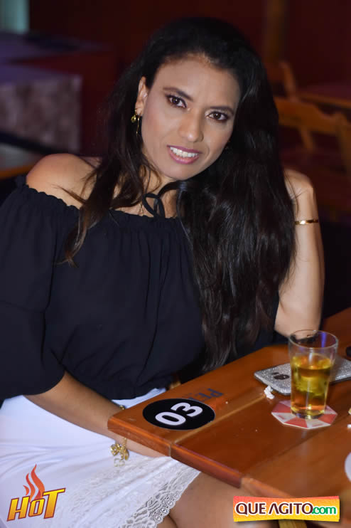 Eunápolis: Noite de sexta muito agitada com Júlio Cardozzo na Hot 29