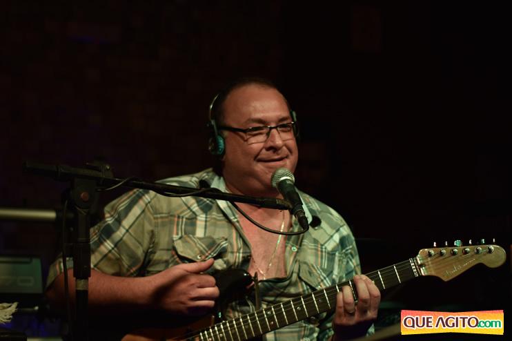 Eunápolis: Muita música boa com Fabiano Araújo e Juliana Amorim na Hot 145