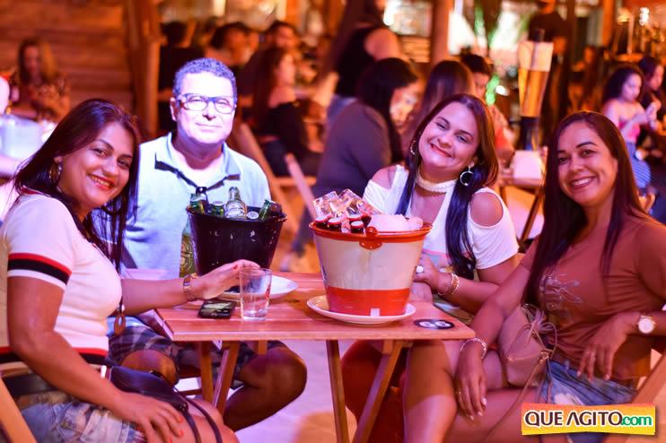 Eunápolis: Noite de sábado muito contagiante na Hot com show de Petra 41