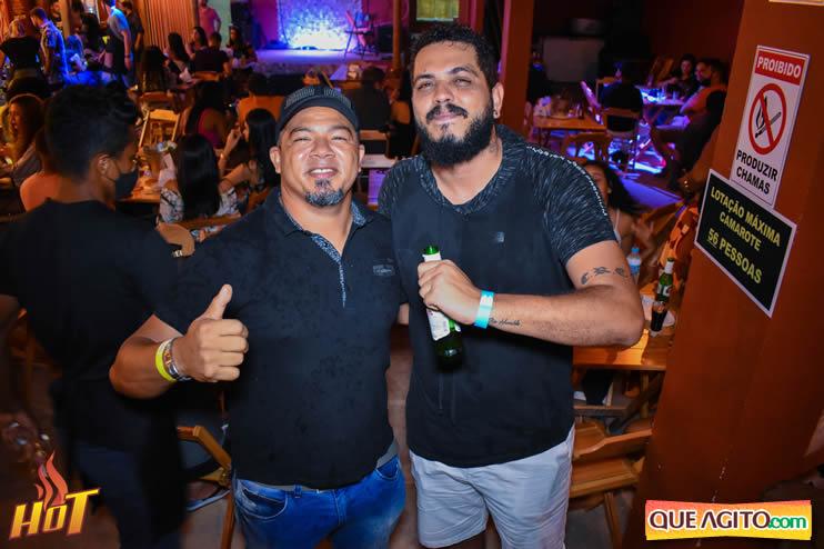 Eunápolis: Noite de sexta muito agitada com Júlio Cardozzo na Hot 41