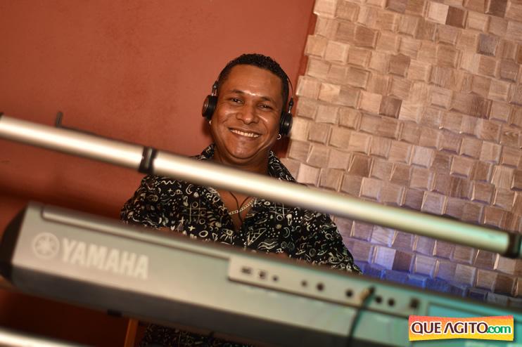 Eunápolis: Muita música boa com Fabiano Araújo e Juliana Amorim na Hot 141