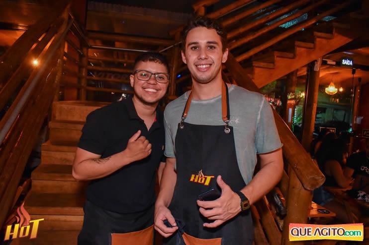 Eunápolis: Noite de sexta muito agitada com Júlio Cardozzo na Hot 37