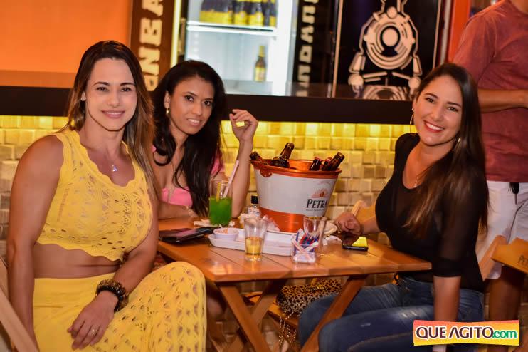 Eunápolis: Noite de sábado muito contagiante na Hot com show de Petra 49