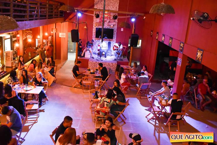 Eunápolis: Noite de sábado muito contagiante na Hot com show de Petra 54