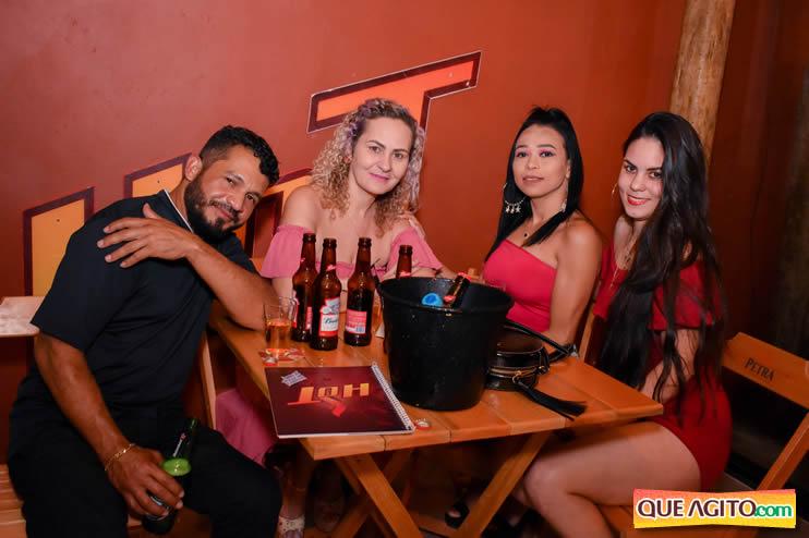 Eunápolis: Noite de sábado muito contagiante na Hot com show de Petra 55