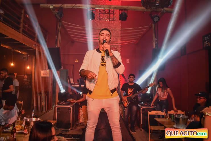 Julio Cardozzo retorna aos palcos e contagia público da Hot 59