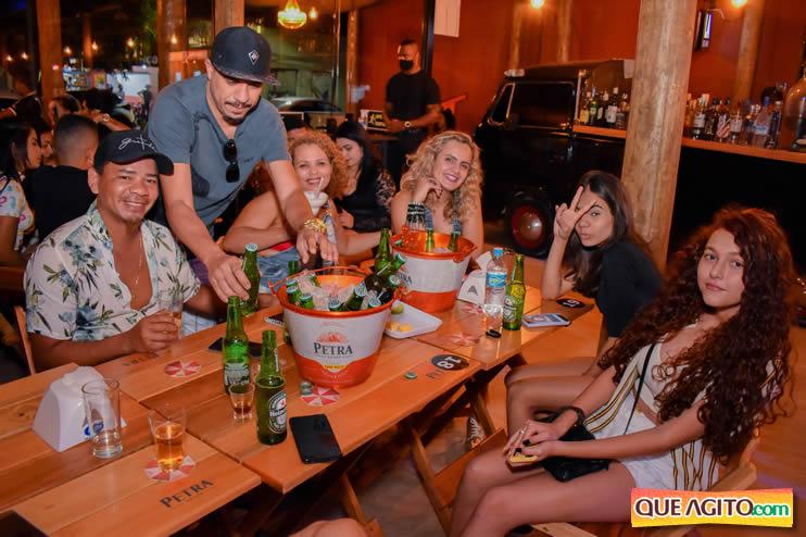 Eunápolis: Noite de sábado muito contagiante na Hot com show de Petra 60