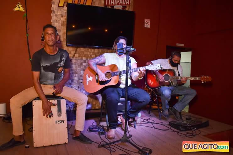 Eunápolis: Noite de sábado muito contagiante na Hot com show de Petra 67