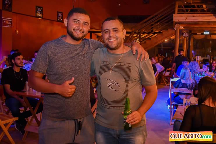 Eunápolis: Noite de sábado muito contagiante na Hot com show de Petra 73