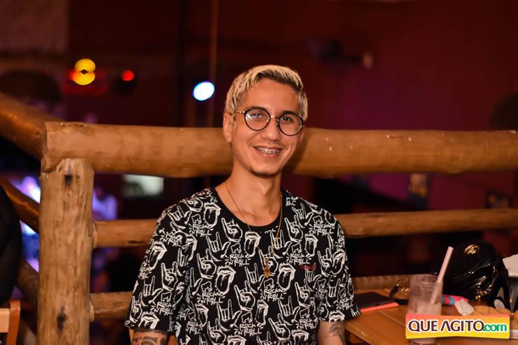 Eunápolis: Noite de sábado muito contagiante na Hot com show de Petra 79