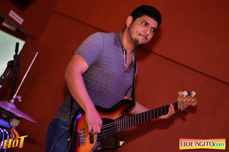 Eunápolis: Noite de sexta muito agitada com Júlio Cardozzo na Hot 85
