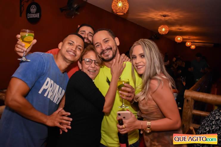 Eunápolis: Noite de sábado muito contagiante na Hot com show de Petra 95
