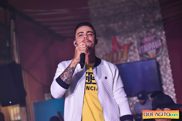 Julio Cardozzo retorna aos palcos e contagia público da Hot 83