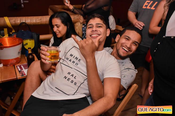 Eunápolis: Noite de sábado muito contagiante na Hot com show de Petra 96