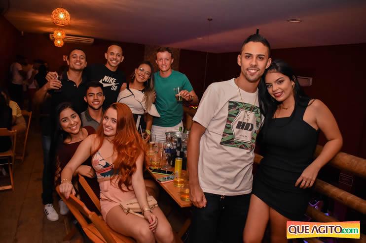 Eunápolis: Noite de sábado muito contagiante na Hot com show de Petra 97