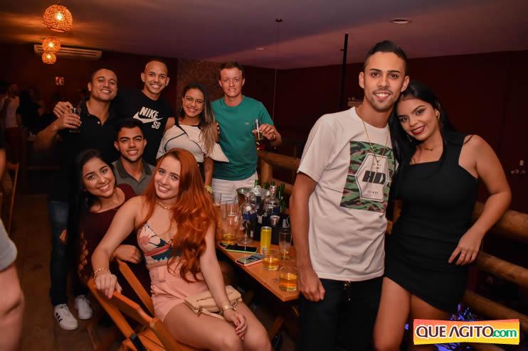 Eunápolis: Noite de sábado muito contagiante na Hot com show de Petra 98