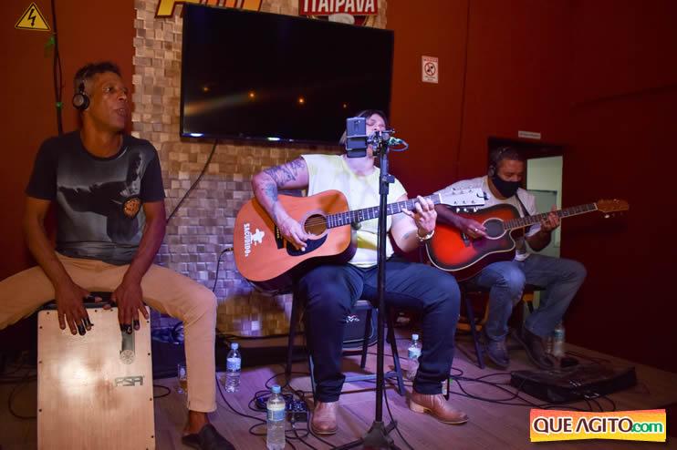 Eunápolis: Noite de sábado muito contagiante na Hot com show de Petra 100