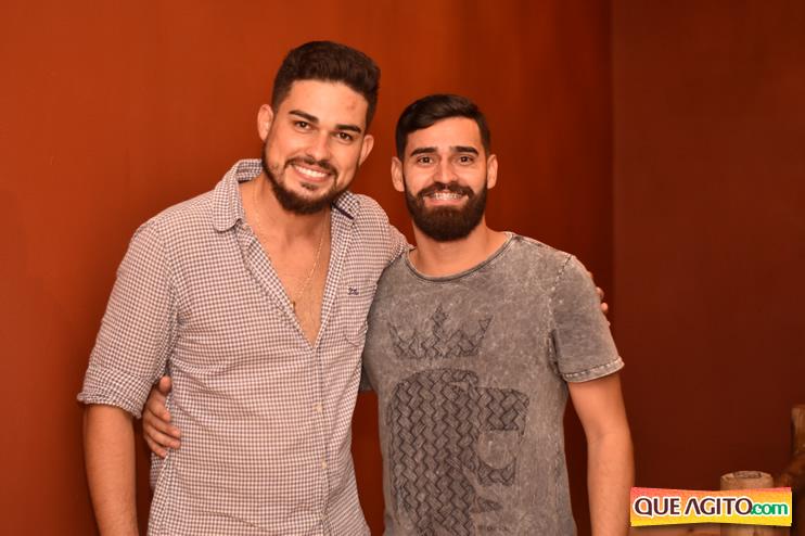 Eunápolis: Muita música boa com Fabiano Araújo e Juliana Amorim na Hot 67