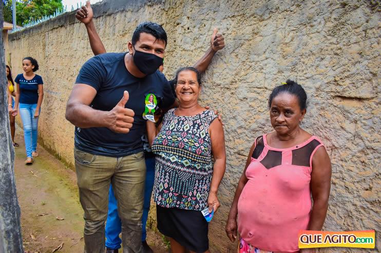 Candidato a vereador Adeilson do Açougue lança campanha com grande caminhada 97