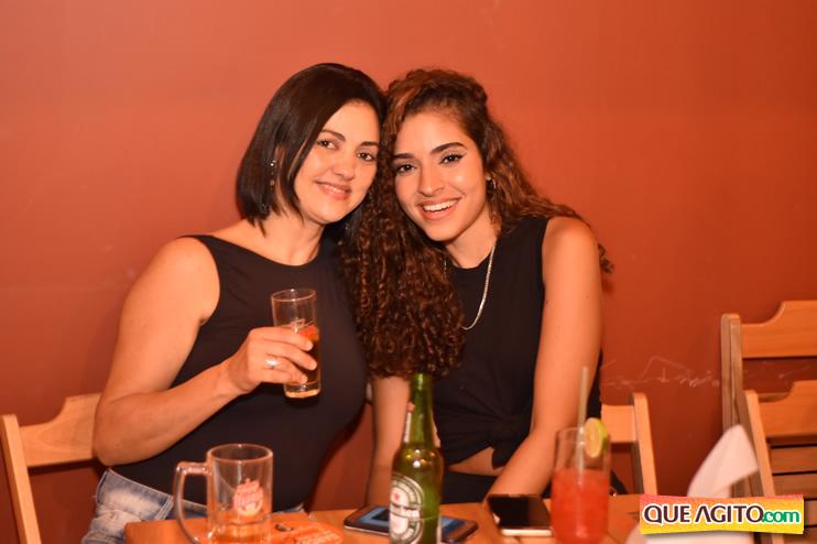 Eunápolis: Muita música boa com Fabiano Araújo e Juliana Amorim na Hot 64