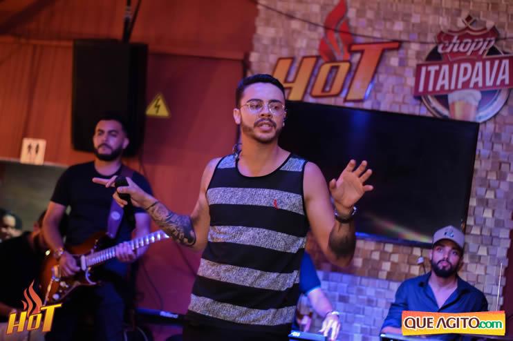 Eunápolis: Noite de sexta muito agitada com Júlio Cardozzo na Hot 115