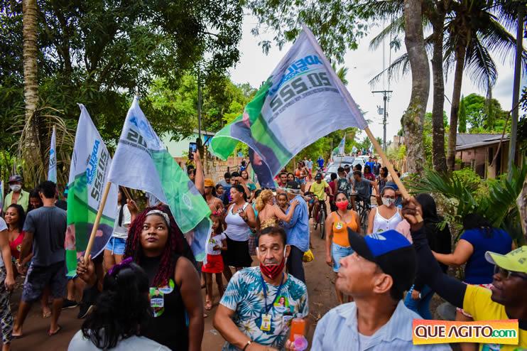 Candidato a vereador Adeilson do Açougue lança campanha com grande caminhada 102