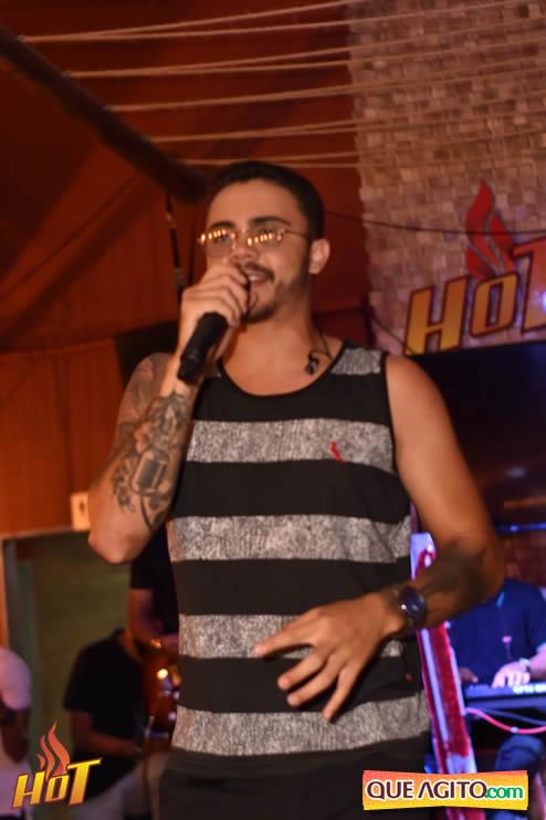 Eunápolis: Noite de sexta muito agitada com Júlio Cardozzo na Hot 120
