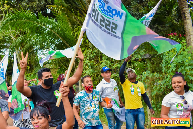 Candidato a vereador Adeilson do Açougue lança campanha com grande caminhada 107