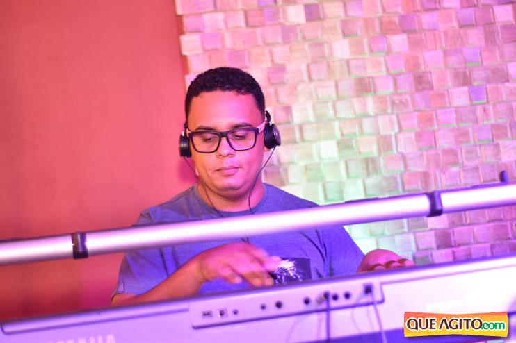 Eunápolis: Muita música boa com Fabiano Araújo e Juliana Amorim na Hot 54