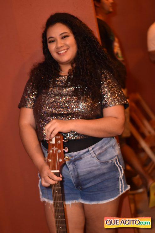 Eunápolis: Muita música boa com Fabiano Araújo e Juliana Amorim na Hot 49