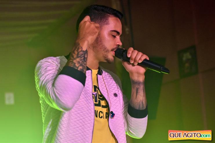 Julio Cardozzo retorna aos palcos e contagia público da Hot 123