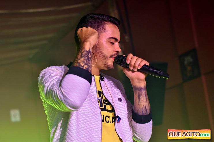 Julio Cardozzo retorna aos palcos e contagia público da Hot 121