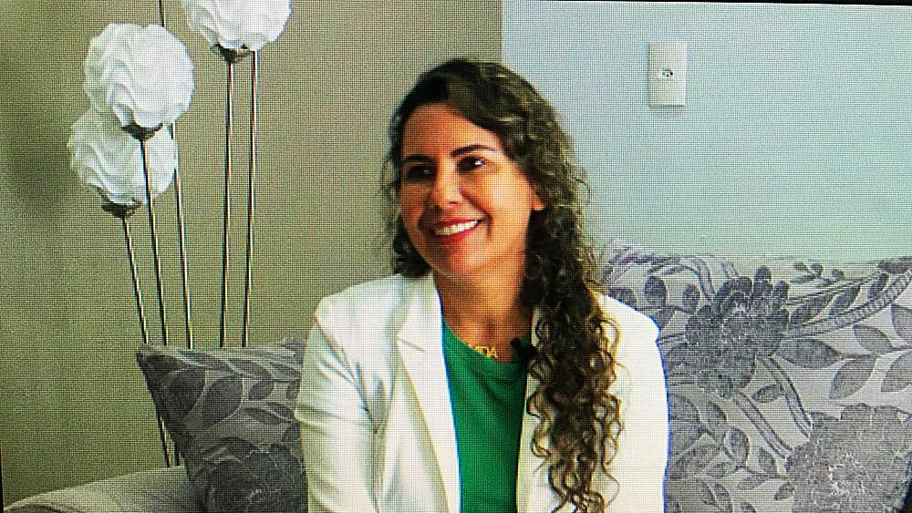 Em entrevista à TV Santa Cruz, Cordélia Torres reafirma propostas de governo e fala sobre a transição 41