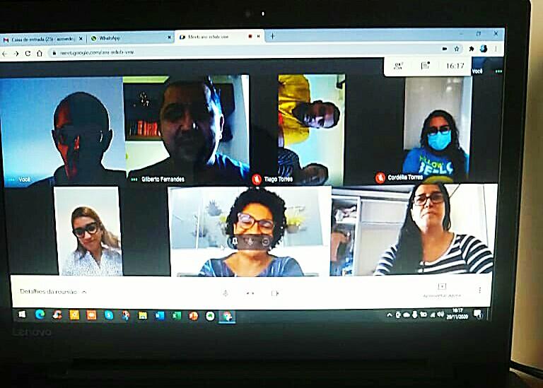 Em video conferência prefeita Cordélia Torres se reúne com equipe da Educação em Eunápolis 20