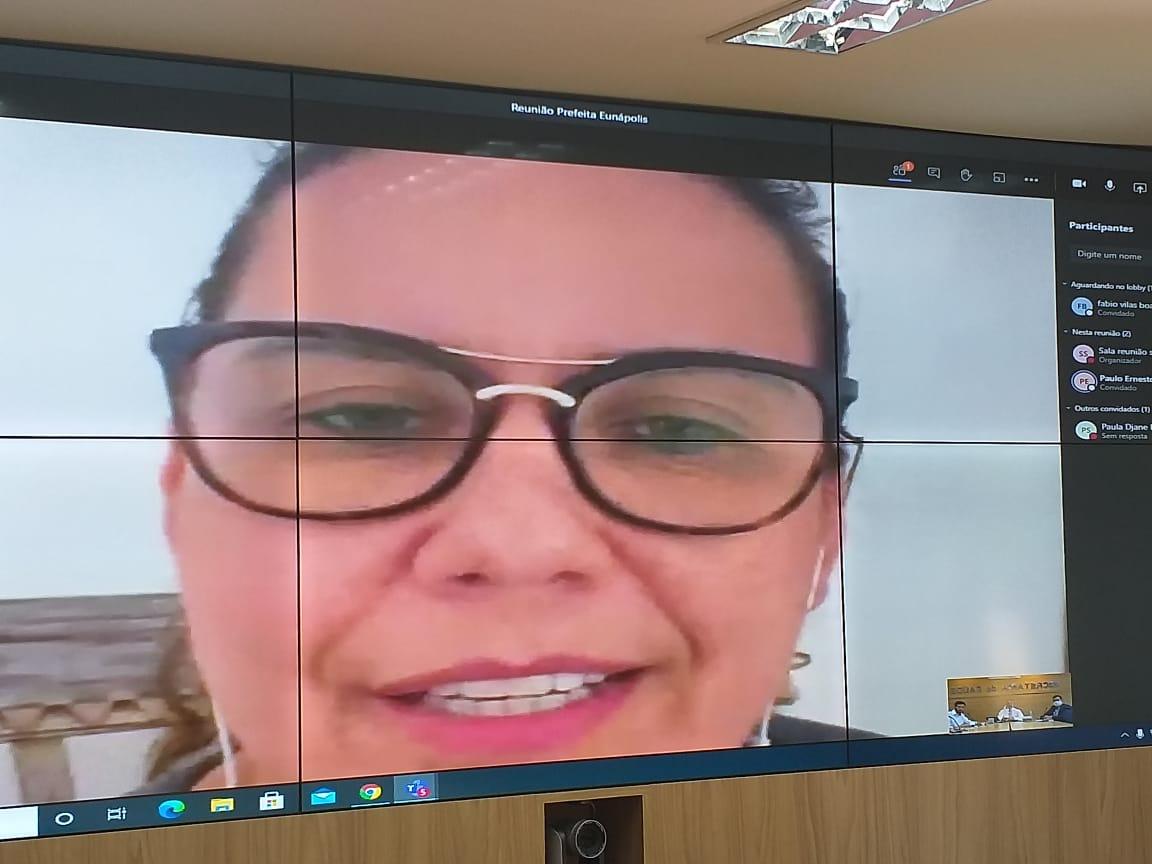 Cordélia debate situação da saúde de Eunápolis com secretário estadual Fábio Villas Boas 24