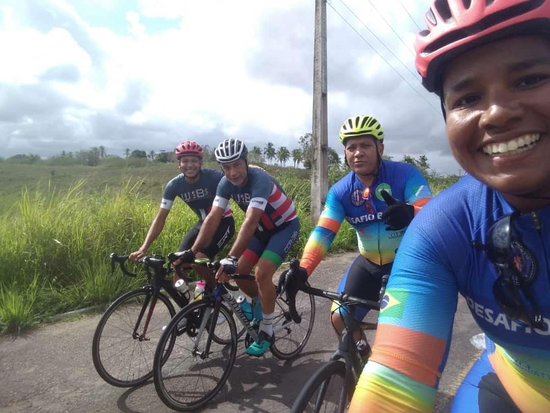 Casal vai pedalar quase 5 mil km da BR-101 para ajudar crianças carentes 26