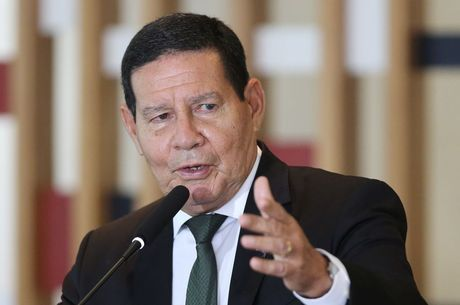 Mourão diz que é preciso repensar voto obrigatório no país 18