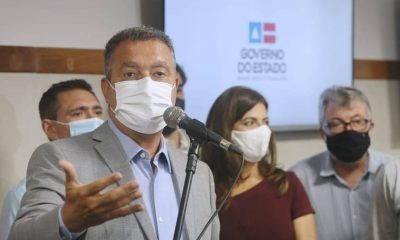 """Vídeo: Rui Costa flagra homem sem máscara e repreende: """"Não é no bolso, não"""" 28"""