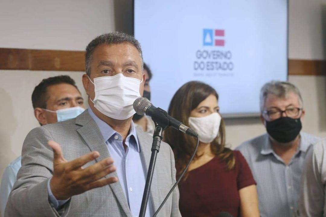 """Vídeo: Rui Costa flagra homem sem máscara e repreende: """"Não é no bolso, não"""" 18"""