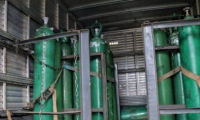 Polícia apreende 33 cilindros de oxigênio escondidos em caminhão em Manaus 33