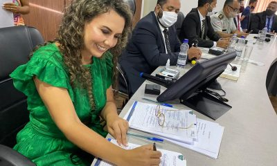 Cordélia toma posse e ex-prefeito Paulo Ernesto participa por vídeo-chamada 13