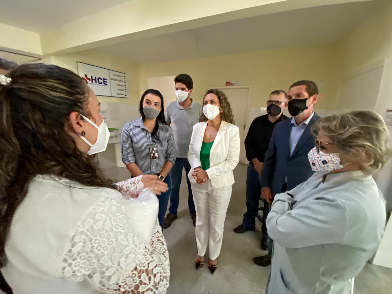 "Prefeita Cordélia Torres visita secretarias e reafirma: ""o gabinete é nas ruas"" 26"