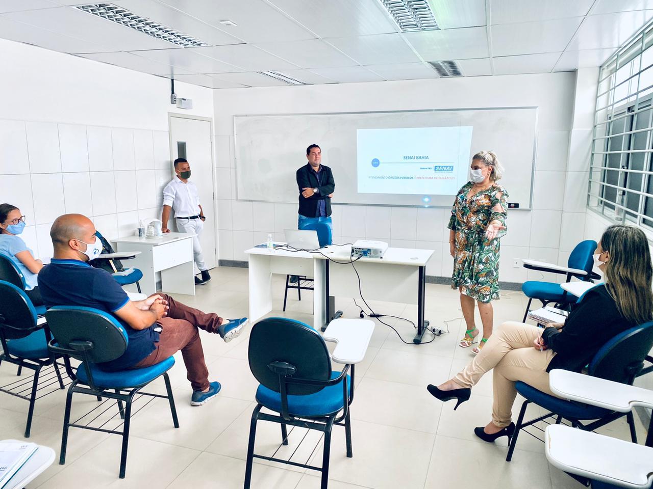 Prefeitura de Eunápolis, através da Secretaria de Assistência Social, firma parceria com o SENAI para promover qualificação profissional 24