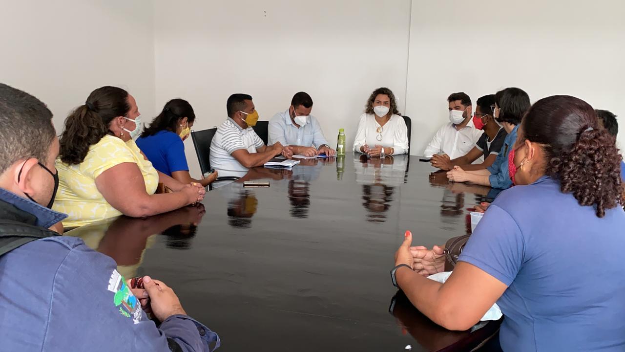 Cordélia se reúne com representantes de sindicatos que estão com os salários atrasados 18