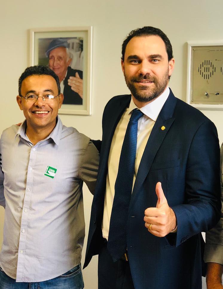 Presidente do PSDB-BA comemora eleição de prefeito do partido para Associação dos Prefeitos do Extremo-Sul 18