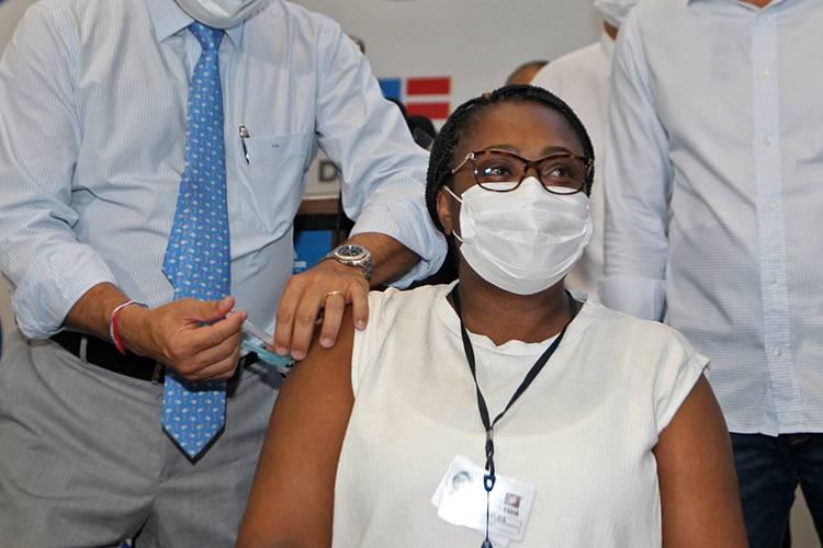 Primeira vacinada na Bahia pega Covid-19 antes de tomar a 2ª dose 18